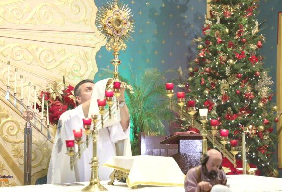 Mass Online   December 31th 2020     Hora Santa ( Rev. Gabriel Toro) - Misa ( Rev. Cesar Peña)